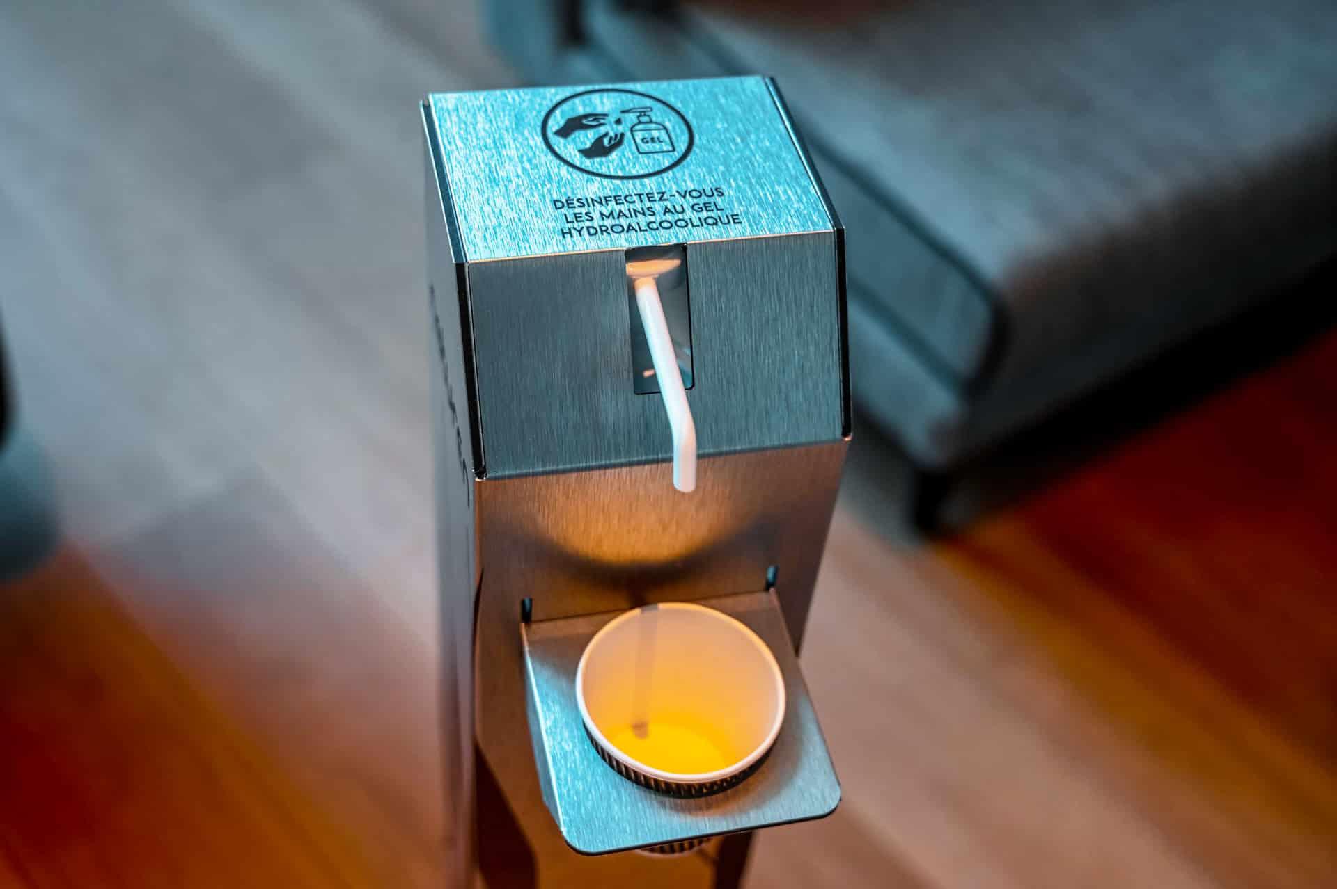 distributeur de gel hydro alcoolique design